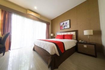 RedDoorz Plus near Universitas Negeri Makassar 2 Makassar - RedDoorz Premium Basic Deals