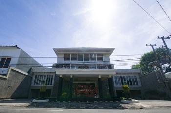 RedDoorz Plus near Universitas Negeri Makassar 2