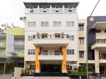 AH1 Guesthouse Tangerang - Deluxe Room Regular Plan
