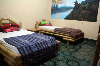 Duyung Homestay Gerupuk Lombok - Standard Fan Regular Plan