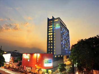 Holiday Inn Express Surabaya Central Plaza