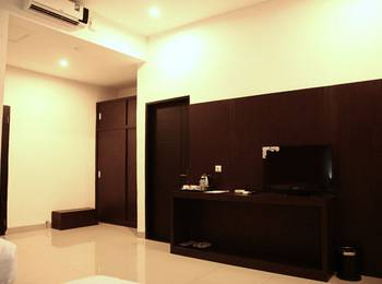 Saka Hotel Medan - Deluxe Room With Breakfast Regular Plan