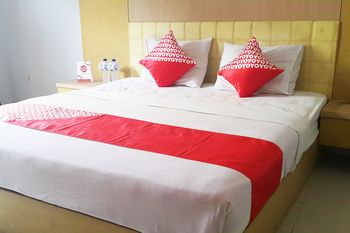 OYO 1088 Hotel Mega Sentosa Samarinda - Suite Double Regular Plan