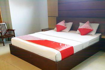 OYO 1088 Hotel Mega Sentosa Samarinda - Deluxe Double Room Regular Plan