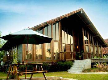 Gardenia Resort and Spa Pontianak - Gardenia Suite Include Breakfast  Regular Plan