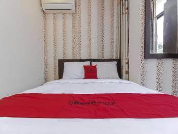 RedDoorz Plus @ Paal 2 Manado Manado - RedDoorz SALE Regular Plan