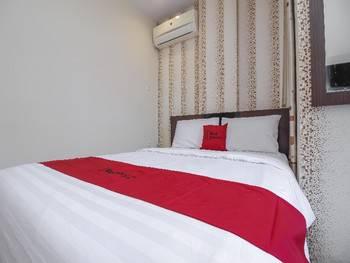 RedDoorz Plus @ Paal 2 Manado Manado - RedDoorz Room Regular Plan