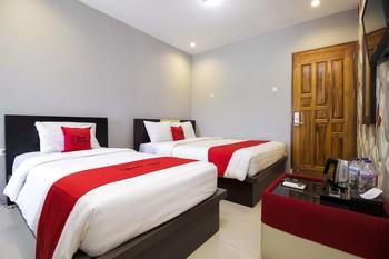RedDoorz Plus @ Paal 2 Manado Manado - RedDoorz Family Room Best Deal