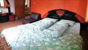 Homestay Triniti Bandung - Standard Room Regular Plan