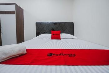 RedDoorz Plus near Semanggi Jakarta - RedDoorz Room After Hour