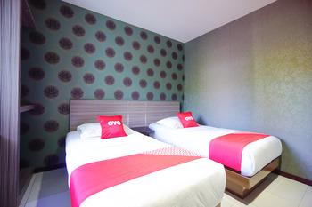 OYO 2526 Hotel D'komo Manado - Standard Twin Room Regular Plan
