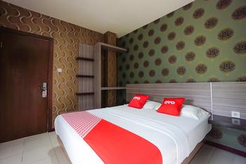 OYO 2526 Hotel D'komo Manado - Standard Double Room Regular Plan