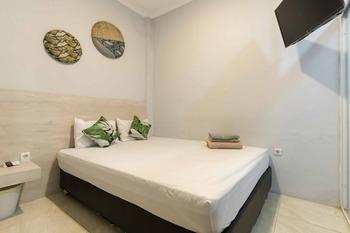 Juanda Syariah Residence Tangerang Selatan - Standard Room Best Deal