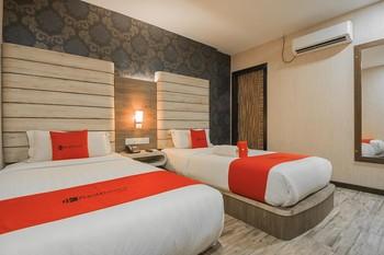 RedDoorz Plus near Mall Nagoya Hill Batam 3 Batam - RedDoorz Twin Room with Breakfast Regular Plan