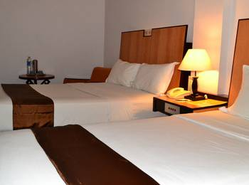 New Metro Hotel Semarang - Deluxe Room With Breakfast Basic Deal Discount 20%