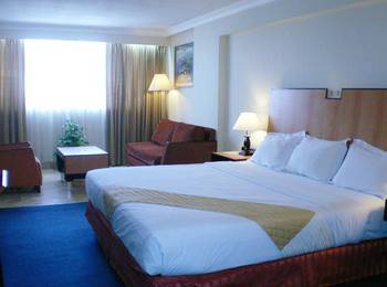 New Metro Hotel Semarang - Superior Room With Breakfast Basic Deal Discount 20%