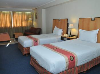 New Metro Hotel Semarang - Executive Room With Breakfast Basic Deal Discount 20%