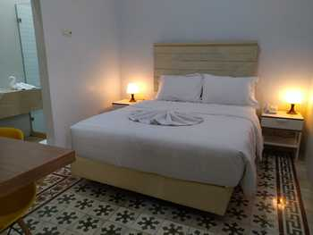 Belva Huis Bogor - Thematic Vintage Room Only  stay with belva
