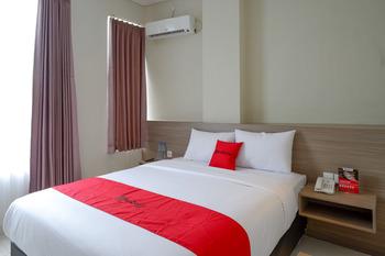 RedDoorz near Exit Tol Banyumanik 2 Semarang - RedDoorz Room basic deal