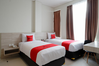 RedDoorz near Exit Tol Banyumanik 2 Semarang - RedDoorz Twin Room basic deal