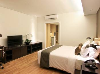 Delonix Hotel Karawang - Golf Wing Studio - Room Only    Weekend Promotions 15%