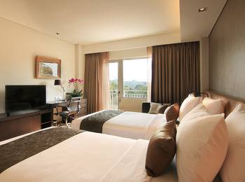 Delonix Hotel Karawang - Golf View Studio - Room Only Weekend Promotions 15%