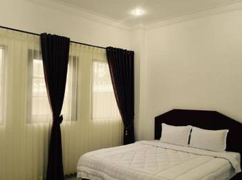 Opriss Hotel & Bungalow Parapat - Superior Room Minimum Stay 3 Nights