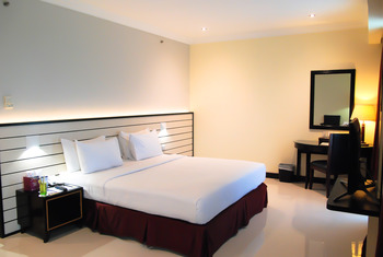 Pacific Palace Batam - Deluxe Double Room Only Regular Plan