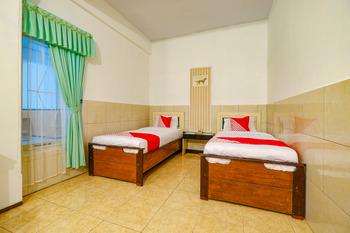 OYO 2855 Sartika Hotel Pati Pati - Suite Twin Regular Plan