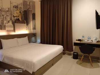 Opi Indah Hotel Palembang - Deluxe Room Only Regular Plan