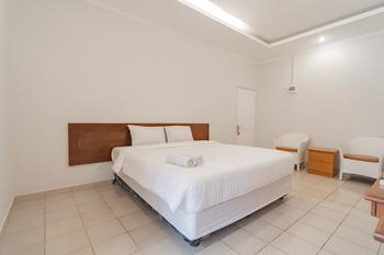 Rossan Villa Bandung - Deluxe Room with Breakfast AntiBoros
