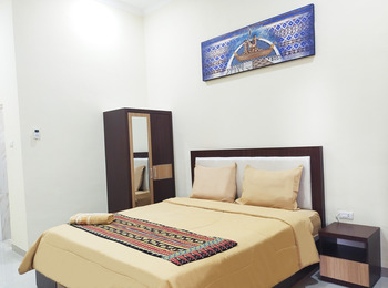 Almer Hotel Way Kanan - Standard Double Regular Plan