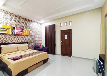 Almer Hotel Way Kanan - Suite Regular Plan
