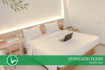 Lenora Hotel Bandung - Standard Double With Breakfast Regular Plan