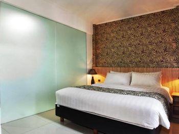 The Green Hotel Bekasi - Standard Twin Room Only NR Regular Plan
