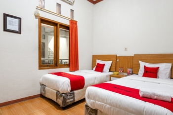 RedDoorz near Juanda International Airport 2 Surabaya - RedDoorz Twin Room Last Minute