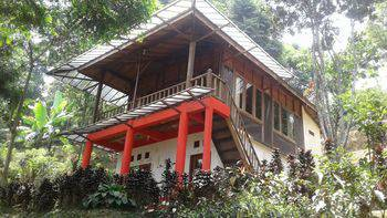 Villa Bukit Angin Mountain & Resto