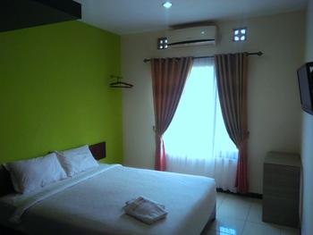 Tya Guest House Malang - Standar Doubel Regular Plan