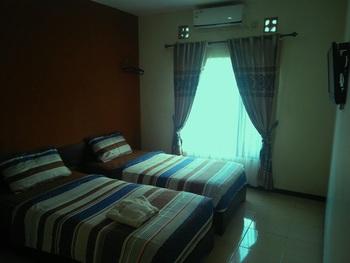 Tya Guest House Malang - Standart Twin Regular Plan