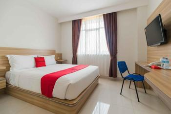 RedDoorz near Exit Toll Sirkuit Sentul Bogor - RedDoorz Room with Breakfast Regular Plan