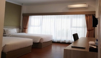 Arilla Eclat Hotel Yogyakarta - Deluxe Twin Room Regular Plan