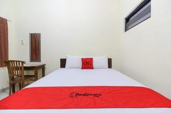 RedDoorz near Rumah Sakit Condong Catur Yogyakarta - RedDoorz SALE 125k Regular Plan