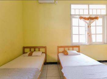 Riyadi Guest House Surabaya - Cempaka Room Regular Plan