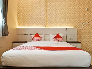 OYO 1539 Amryrooms Pekanbaru - Deluxe Double Room Regular Plan
