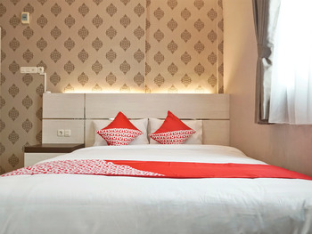 OYO 1539 Amryrooms Pekanbaru - Standard Double Room Regular Plan