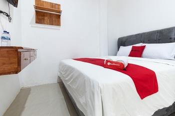 RedDoorz @ Medan Johor Medan - RedDoorz Premium Room Basic Deal