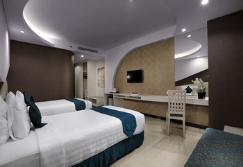 Aston Cirebon - Superior Twin Room Regular Plan