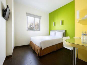 Amaris Hotel La Codefin Kemang - Smart Room Queen Same Day Booking App Promo