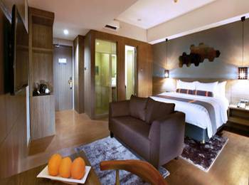 Harper Purwakarta by ASTON Purwakarta - Deluxe Room With Breakfast Regular Plan