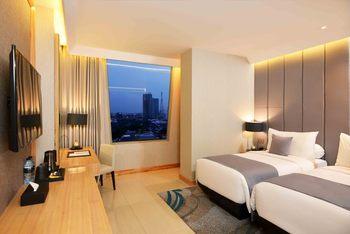 Grand Dafam Signature Surabaya - Superior Twin Room Only Last Minute